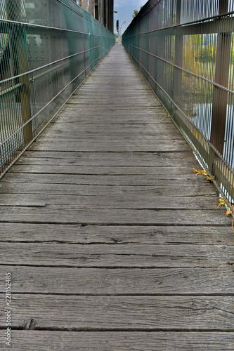 Fototapeta Bretter einer Brücke