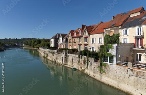 Wall mural Marne river quai in La ferte-sous-Jouarre village