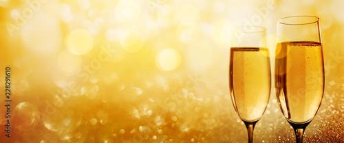 Złoty szampan na gratulacje