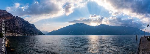 Panorama Gardasee - 228330246