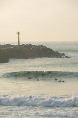 Surfeurs à la plage de la Barre, Anglet, Pyrénées-Atlantiques, France
