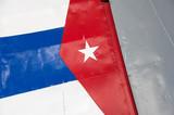 Bandera de Cuba pintada sobre el ala de avión militar