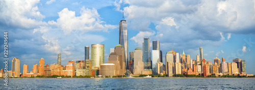 Foto Murales Lower Manhattan skyline panorama over Hudson River, New York