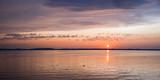 wunderschöne Sonnenuntergang Stimmung am Chiemsee - 229359090