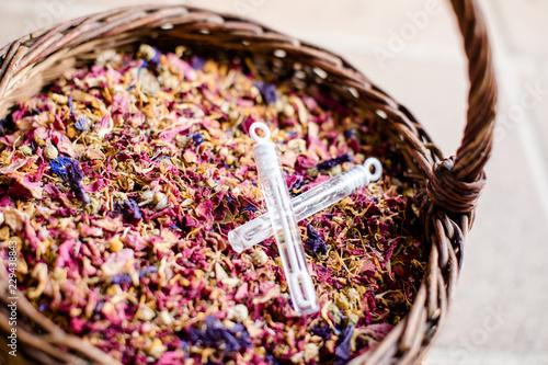 Foto Murales Panier de fleurs séchées pour les mariés