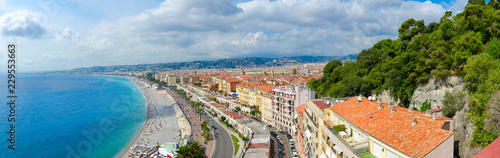 Foto Murales Beautiful panoramic view from above on sea and Promenade des Anglais, Nice, France