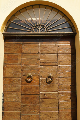 Old wooden entrance door - 229568884