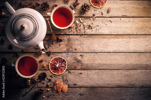 Teapot and cup of tea © Grafvision