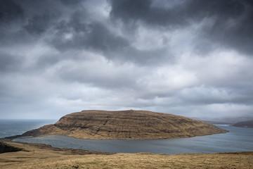 Voyage falaise pic vent photographe élément nature faroe islands îles féroé