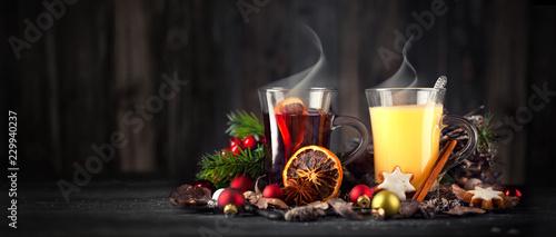 Leinwandbild Motiv Weihnachten mit Glühwein und Eierpunsch