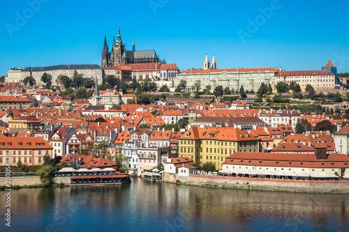Foto Murales Old town of Prague and Prague castle, Czech Republic.