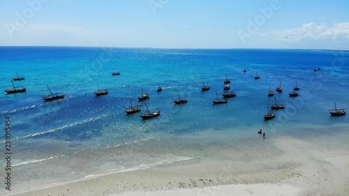 vue aérienne, safari blue, baie de Menai, zanzibar - 230085454