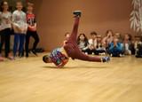 break dance breakdancer windmile