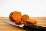 Batata cortada para condimentar. - 230211277