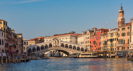 View of the Rialto Bridge in the Grand Canal, Venice, Italy © Lori Labrecque