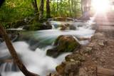 romantischer Wasserfall bei Sonneneinfall - 230426432