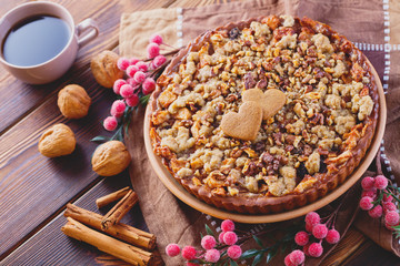 gingerbread tart with apples and nuts