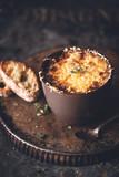 Soupe à L' Oignon et Gruyère Gratinée - 230827859
