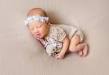 sleeping newborn baby girl - 231073691