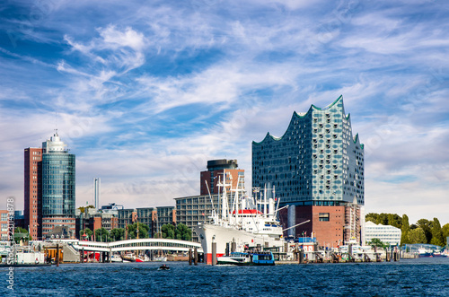Leinwanddruck Bild Hafen Hamburg oper