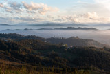 Tramonto in collina in autunno - 231379005