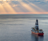 drilling platform in the ocean - 231511265