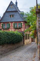 Schmale Gasse in Eltville am Rhein