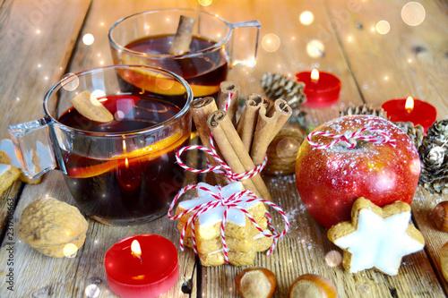 Leinwanddruck Bild Winter - Winterzeit Glühwein trinken