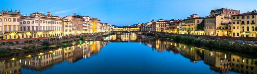 Ponte Vecchio - Florence - Italia © fottoo
