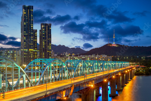 Leinwanddruck Bild night view of seoul by han river in south korea
