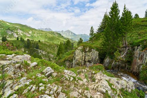 Wall mural Idyllisches Gebirge in den französischen Alpen