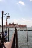 Quai d'embarquement sur le grand canal de Venise - 231868062