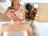 Head massage - 231869254
