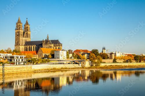 Leinwandbild Motiv Magdeburg, Magdeburger Dom an der Elbe