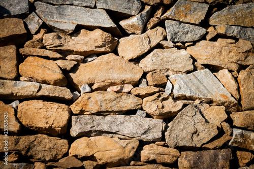 Leinwanddruck Bild Weinvisionen, eine Steinmauer im Weingarten, die Weinterrassen der Wachau