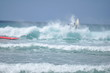 Chute en surf sur une vague