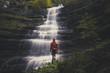 ammirare la cascata del piscino - 232057614