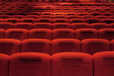 Sièges rouges de salle de spectacle. Cinéma; théâtre, concerts