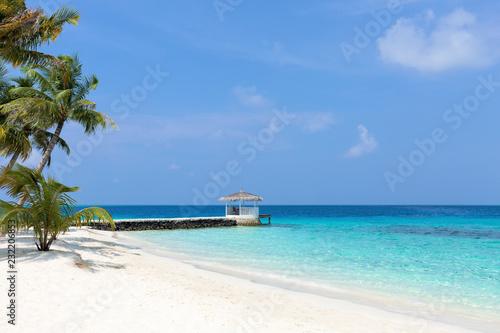 Foto Murales Summer house on tropical island