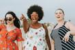 Leinwanddruck Bild - Cheerful diverse plus size women at the beach