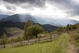 Fototapeta  - pochmurny widok górski © qrrr