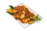 Pasta italiana, tortelloni di zucca con ragù di carne - 232269883