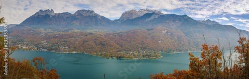 Foto Murales Panorama du lac d'Annecy depuis le Taillefer en automne