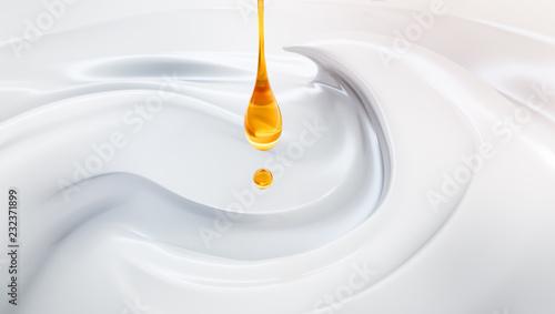 Leinwanddruck Bild Hochwertige Creme mit Serum-Tropfen