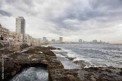 fototapeta na ścianę panoramic view of the Havana skyline and the famous seaside Malecon avenue