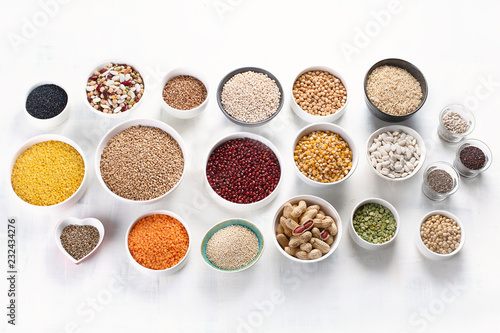 Leinwanddruck Bild Various grain, cereals, seeds, beans