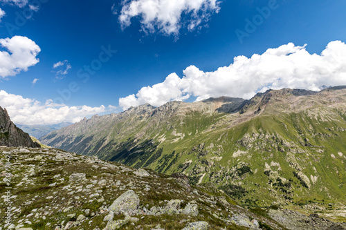 Foto Murales Muruju Valley. The Caucasus - Russia