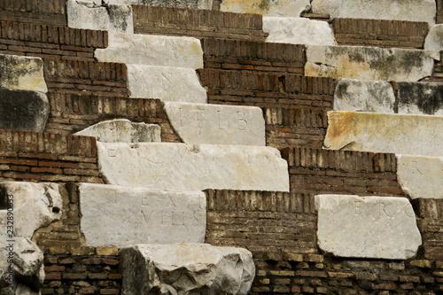 Szczegół elementy kolosseum w Rom