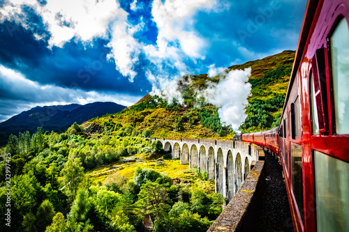Foto Murales Glenfinnan Railway Viaduct with train