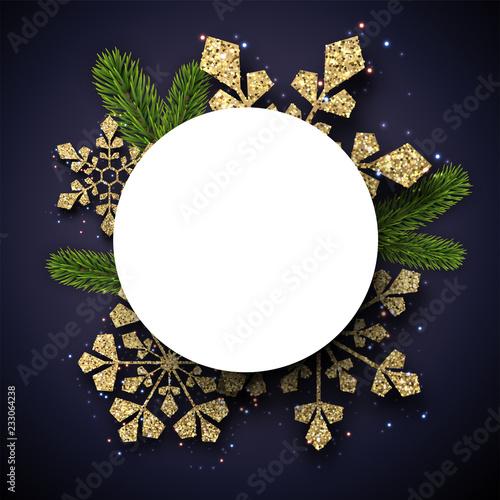 Boże Narodzenie i Nowy Rok okrągły karty z gałęzi jodłowych i złote błyszczące płatki śniegu.